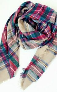 NWOT Huge plaid scarf / wrap / blanket